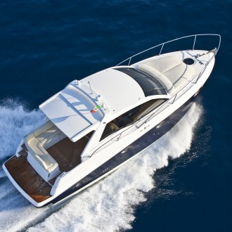 Luxury speed boat in the ocean
